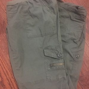 A Pea in the Pod Maternity Utility Cargo pants